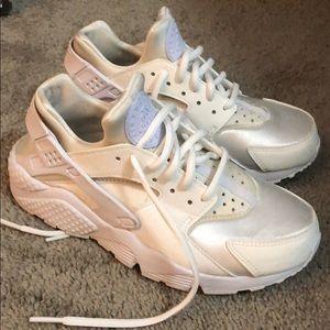 Nike Shoes - Nike Huraches!